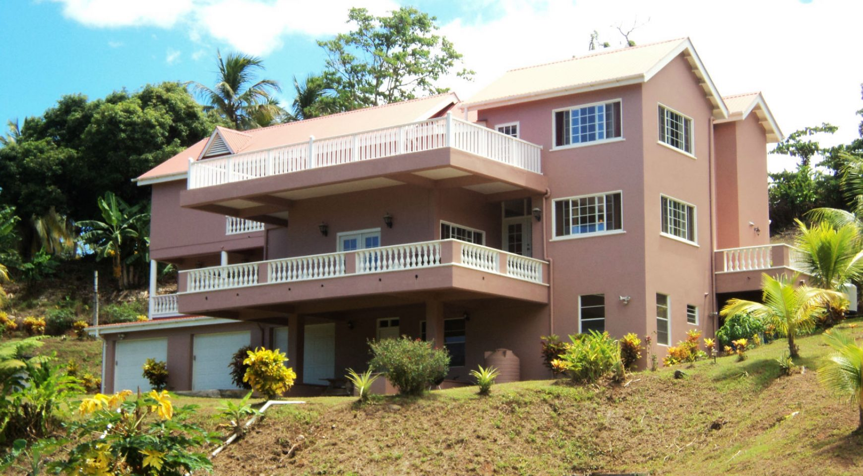 4 Bedroom, 4 Bathroom High End Home For Sale In Woodford Hill Woodford  Hill, Saint Andrew