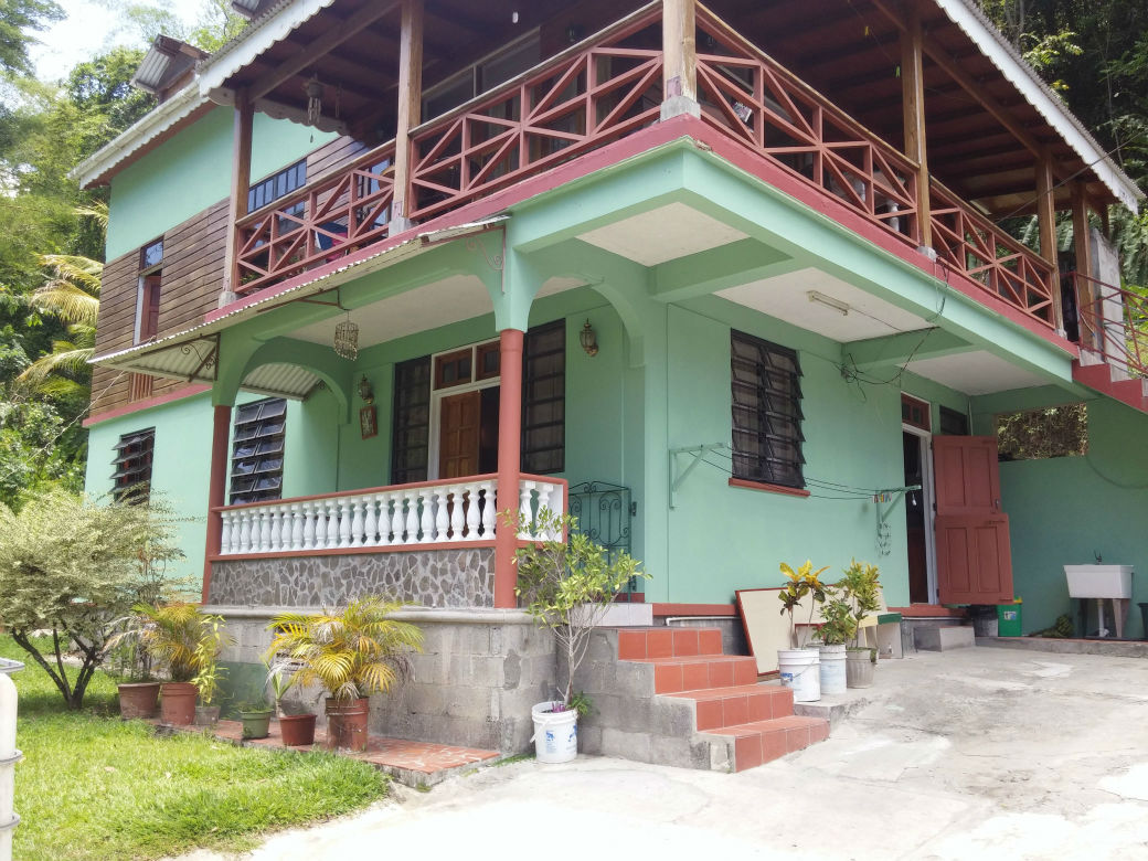 3 Bedroom 1 Bathroom Apartment For Rent (RENTED OUT)