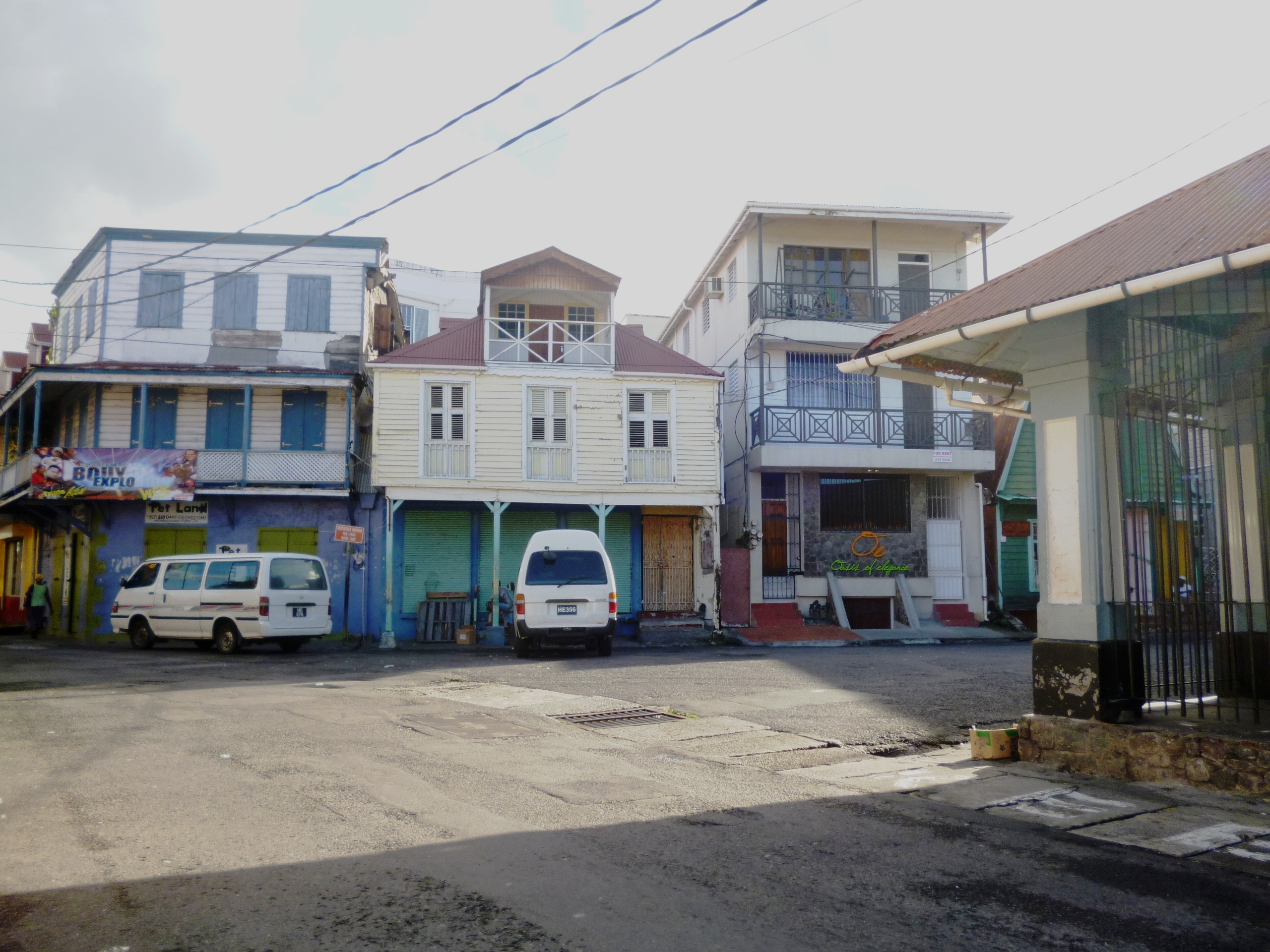 Dominica Real Estate: Commercial Building For Sale In Roseau