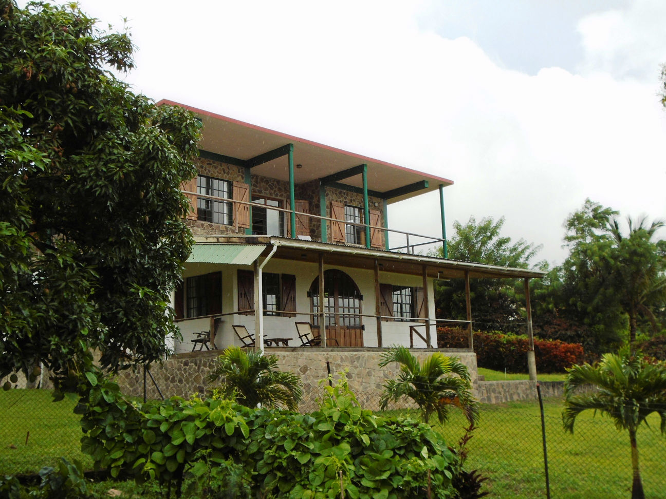 Dominica Real Estate: furnished 5 bedroom property for sale in Cochrane