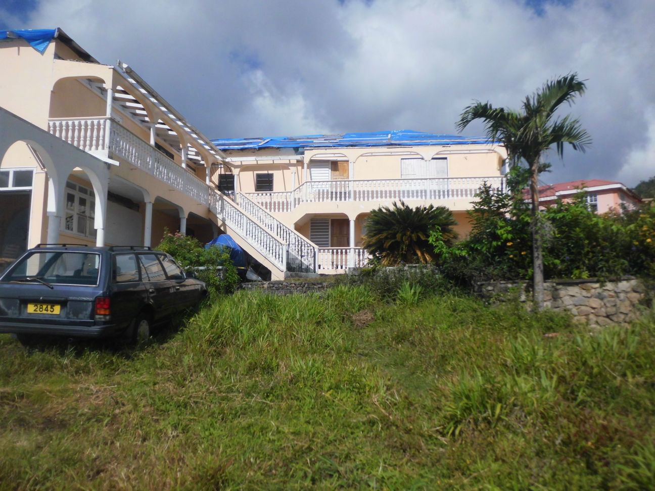 Dominica Real Estate: 6 Bedroom Home For Sale In Need Of Repairs
